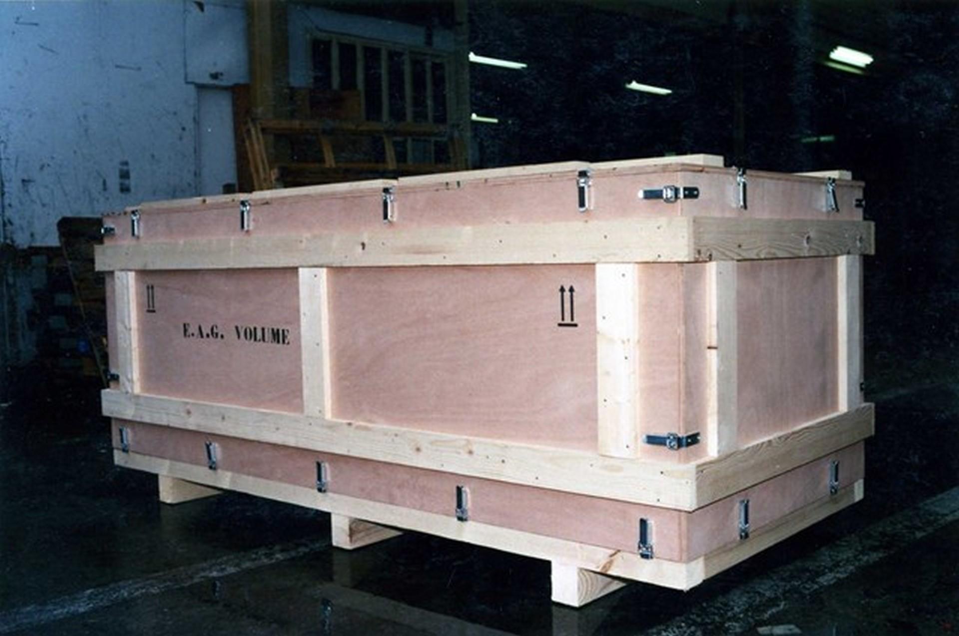 Caisse en bois navette réalisée sur mesure sur jpemball.fr !
