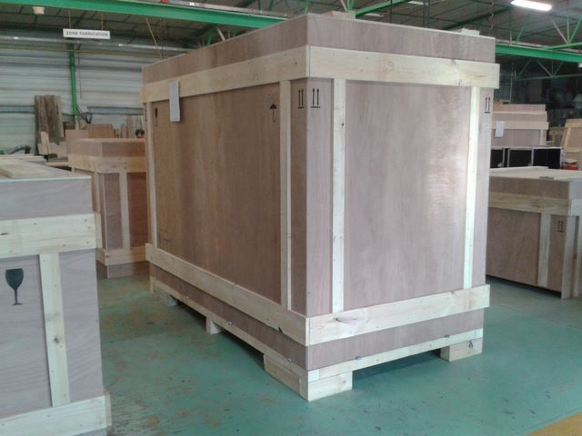 Wooden crate, shuttle, re-usable, exhibition, JPemBall