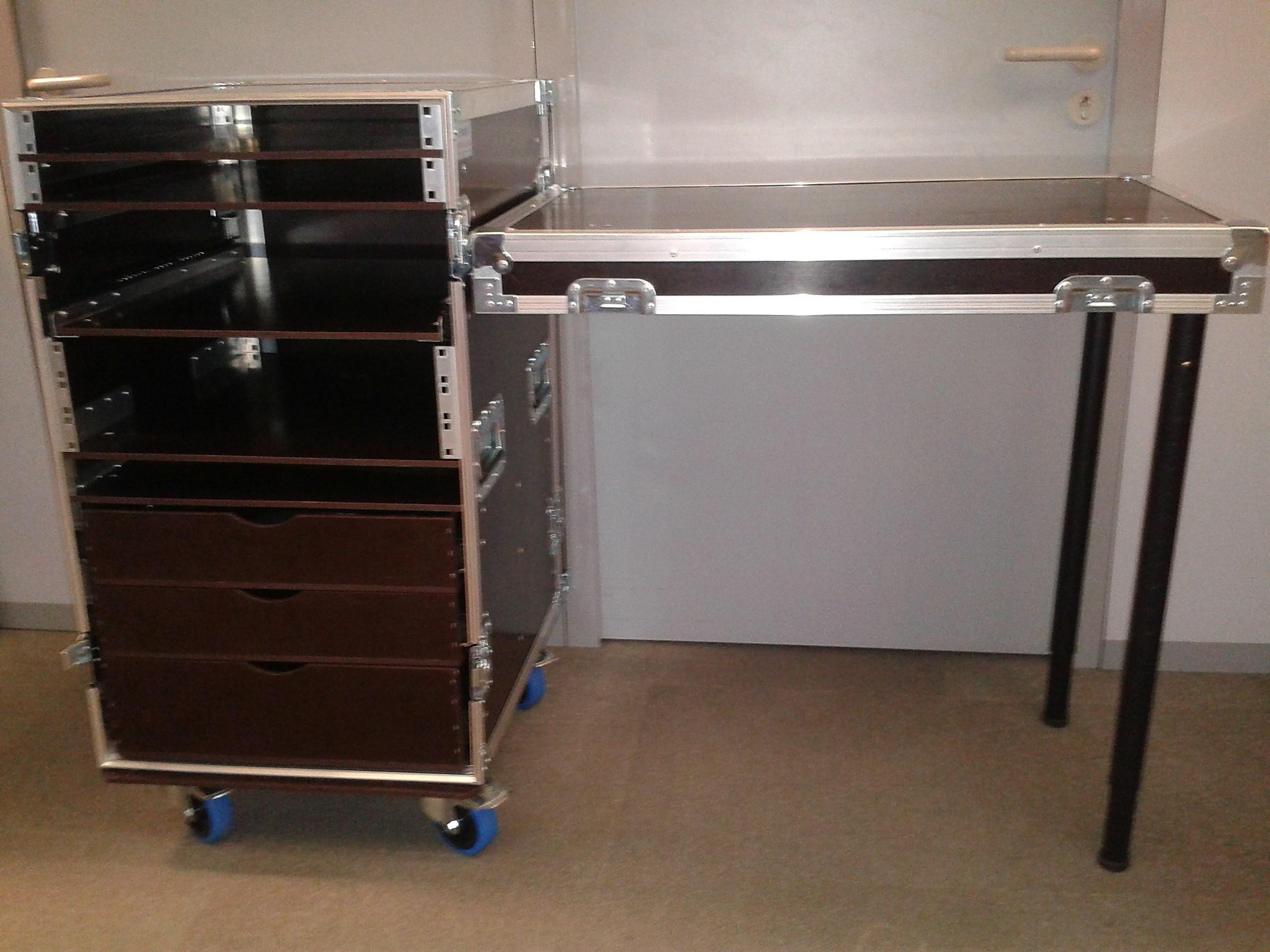 conception flightcase audiovisuel sur mesure pour mat riel. Black Bedroom Furniture Sets. Home Design Ideas