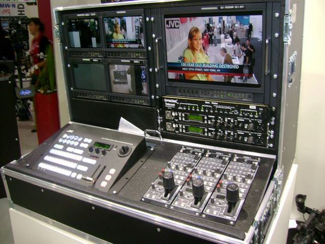 video Mixer integrated in the flight-case, JPEMBALL