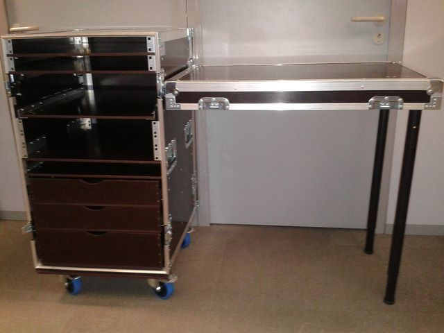 Fold-out Table dépliante + drawers , JPEMBALL